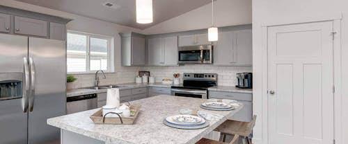 Birch-new-homes-boise-idaho-hubble-homes-kitchen-01.jpg