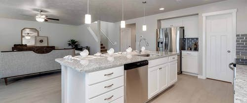 Garnet_Hubble_Homes_New_Homes_Boise_-Kitchen.jpg