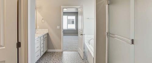 Sapphire-MasterBath-new-homes-boise-idaho-hubble-homes.jpg