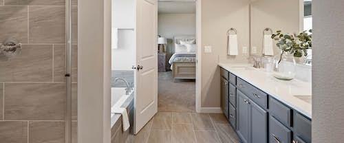 new-homes-boise-idaho-Garnet-hubble-homes_0004_Garnet Model Greendale Grove - 026-Master Bath- High Res.jpg
