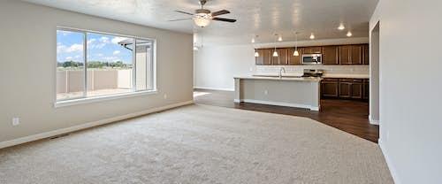 new-homes-boise-idaho-hubble-homes-Jasper_0000_GreatRoom (3).jpg