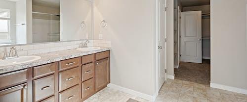 new-homes-boise-idaho-hubble-homes-Jasper_0003_MasterBath (1).jpg